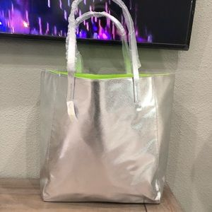 """FINAL PRICE"" Brand New Clinique Tote Bag"